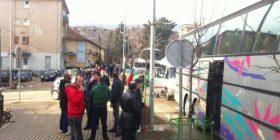 Nisen autobusët me protestues drejt Prishtinës (FOTO)