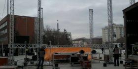 Përgatitet bina,ku përfaqësuesit e opozitës do ti' drejtohen protestuesve