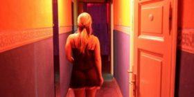 """""""Pazaret e seksit në Shqipëri"""", në Korçë mund të gjesh vajza 19-vjeçare ! (Foto)"""