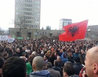 AAK-ja, protestë në Prishtinë në përkrahje të Haradinajt