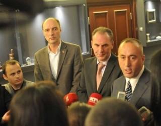 Opozita kërkon ndërprerjen e bisedimeve