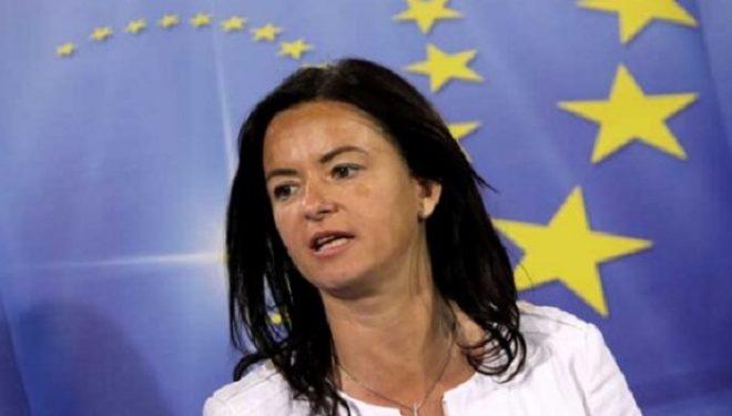 Fajon dyshon që me deklaratën e Kuvendit, Kosovës do t'i hiqen vizat