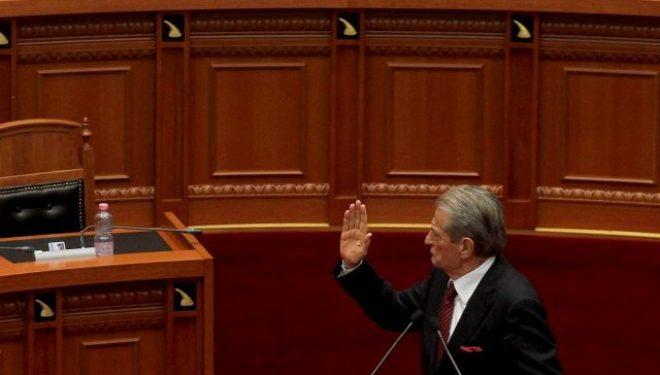 Drecun: Largimi i Sali Berishës largoi edhe rrezikun për bashkim të Kosovës me Shqipërinë