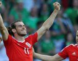 Bale dhuron 500 mijë funta në spitalin ku ka lindur për të ndihmuar në betejën ndaj koronavirusit