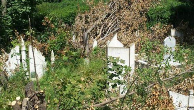 Dëmtohen varrezat myslimane në veri të Mitrovicës