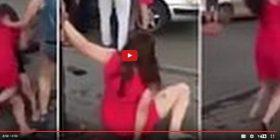 Sherr i egër mes 4 femrash të dehura (Video)