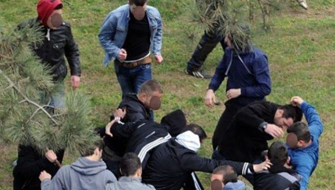 Një femër përfshihet në përleshje masive në Prishtinë, arrestohet bashkë me dy persona tjerë
