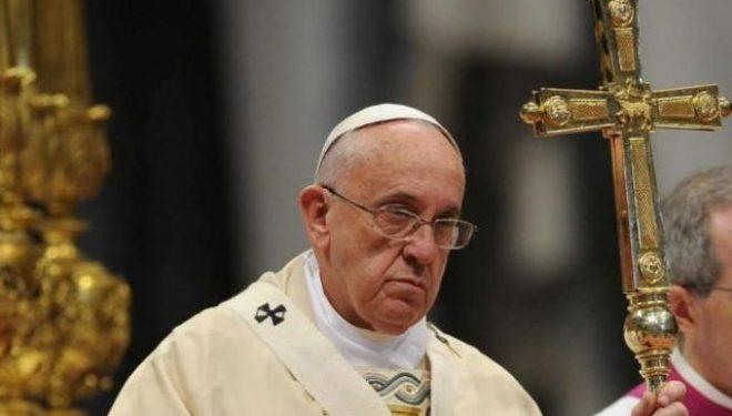 Deklarata e Papa Françeskut trondit Kishën Katolike