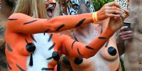Nudo për të mbrojtur tigrat (Foto)