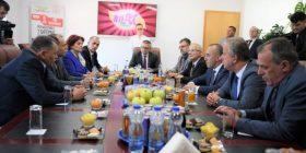 """Haradinaj: """"Frutex"""" një nga prodhuesit më të mëdhenj në Kosovë, suksesi i të cilës duhet të ndiqet edhe nga kompanitë tjera"""