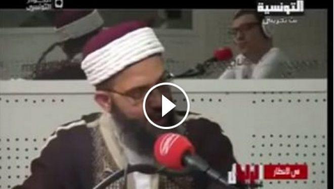 Ja si provokohet një hoxhë sikur ka tërmet në një emision live (Video)