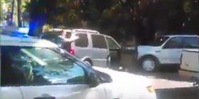 """""""Mos qëlloni!"""", klithma e bashkëshortes së viktimës në Sharlot (Video)"""