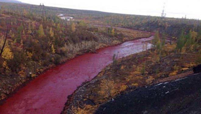 Ndryshimi dramatik i ngjyrës së lumit Daldykan (Foto)