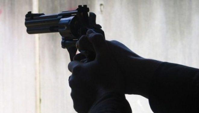 """Të shtëna me armë zjarri, në një shtëpi në """"Ballaban"""" të Prishtinës kapen armë"""