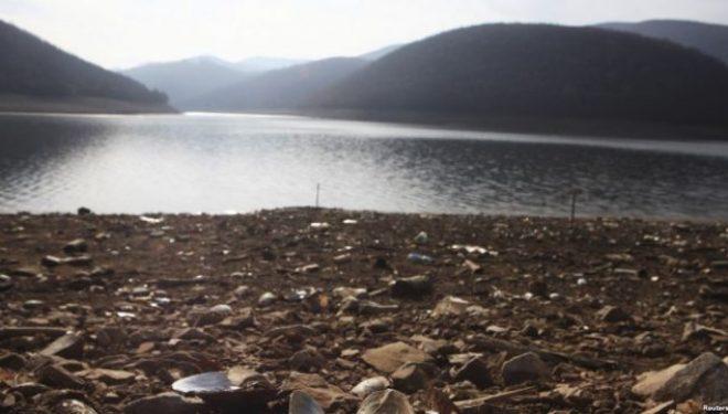 Fabrika e ujit në Shkabaj pritet të finalizohet në fillim të 2017