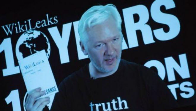 Ekuadori e pranon se ka kufizuar qasjen e internetit për Assange