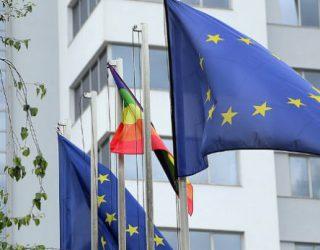 BE – deputetëve: Mos i komentoni vendimet e gjykatave, e aq më pak t'i vini në pikëpyetje