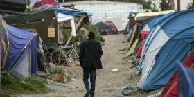 Policia franceze largon 7 mijë refugjatë nga kampi në Kale