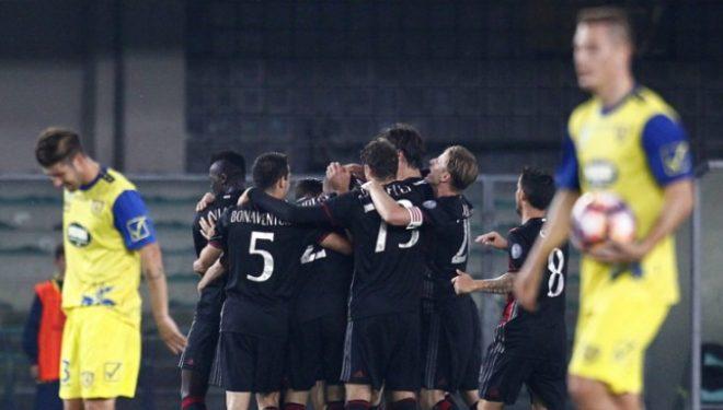 Milani fluturon, mund 3-1 Chievon