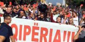 Protesta kundër ligjit të importit të mbetjeve