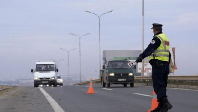 Vetëm dje ndodhën 43 aksidente dhe u shqiptuan mbi 1 mijë tiketa trafiku
