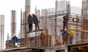 Punëtorët kërkojnë rritje të pagës minimale, bizneset kundërshtojnë