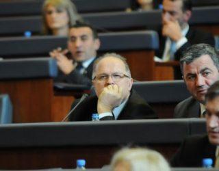 Kelmendi: Liderët e dy partive vendosin se a do të ketë zgjedhje