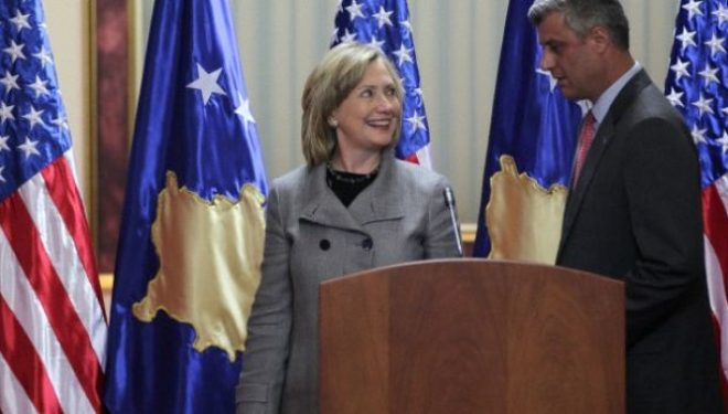 Dyshimet e Clintonëve për të kaluarën e Thaçit