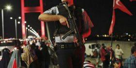 Turqia suspendon 12.000 oficerë të policisë