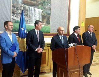 Zvogëlimi i ministrive përplas partnerët e koalicionit