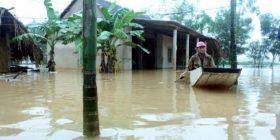 Vërshimet në Vietnam: 15 persona humbin jetën, mijëra të tjerë evakuohen