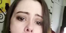 Nëna poston pamje të së bijës me penis në gojë, degjenerohet në Facebook (Foto +16)
