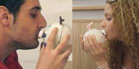 """Puthje me """"korrespodencë"""", risia robotike – Video"""