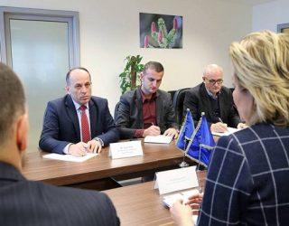 Zyra e Bashkimit Europian kundër rrënimit të murit në Mitrovicë?