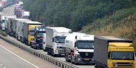 15 kamionë me mallra serbe u kthyen mbrapa – Serbia, Thaçi e BE-ja kërkojnë heqjen e reciprocitetit