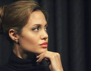 Miku i Angelina Jolie zbulon sekretet e saj të fëmijërisë