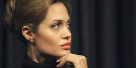 Angelina Jolie, një mama që gatuan insekte (VIDEO)