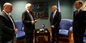 Mustafa pranon raportin final për matjen e territorit