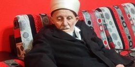 93-vjeçari që nuk e braktisi kurrë besimin: Si falesha tek Pallati i Brigadave në kohën e komunizmit