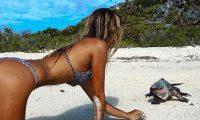 22-vjeçarja që bën foto me kafshë ekzotike (Foto)
