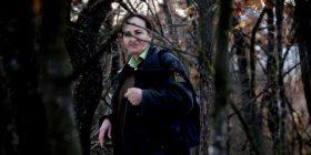 Kjo është gruaja e vetme që punon si roje e pyllit në Kosovë
