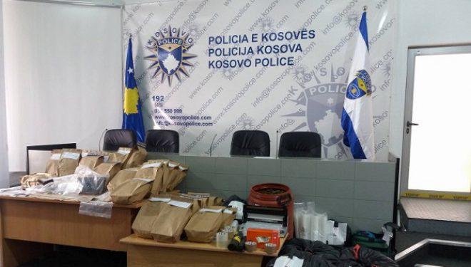 Policia konfiskon 57 kg drogë, arreston tre persona (Foto)