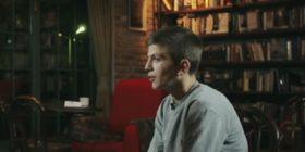 Shitësi i kikirikëve nga Prishtina që ëndërron të bëhet biznesmen (Video)