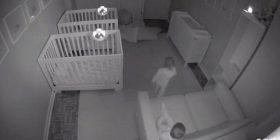 Ja çfarë bëjnë këta binjakë 2 vjeçar kur prindërit i kanë në gjumë (Video)