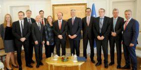 Thaçi pret delegacionin me diplomatë austriakë