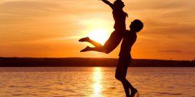 Shkencëtarët tregojnë se si ndikon dashuria në trupin e njeriut