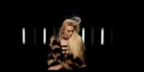 Eni Koçi publikoi këngën e radhës (Video)