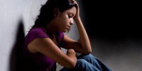 Disa nga shenjat se fëmija juaj po mendon për vetëvrasje