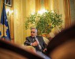 Jakup Krasniqi dikujt po i referohet si gomar kur po flet për delegacionin e burrave të Kosovës