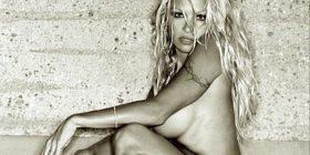 50 vjeç? Pamela Anderson mbetet një ikonë seksi (FOTO)